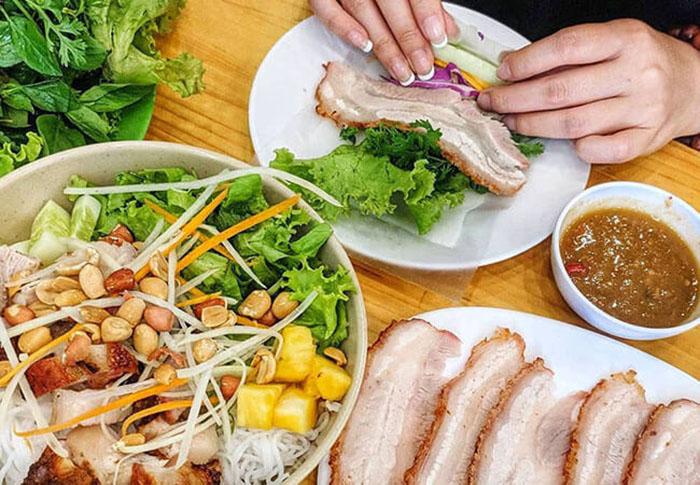 Bánh tráng cuốn thịt heo Đà Nẵng - món ngon xứ Đà Thành