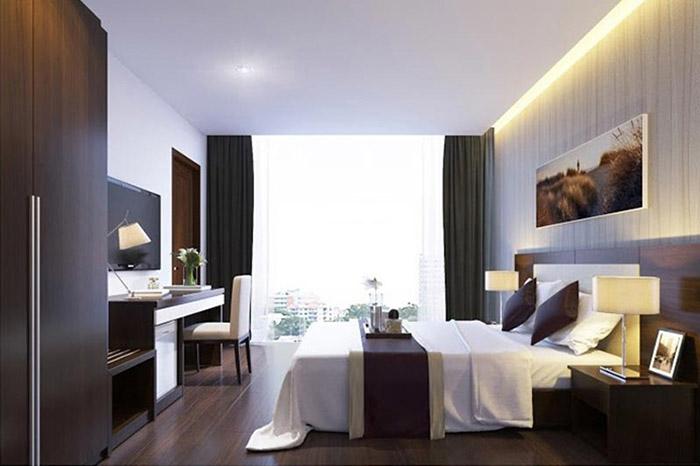 Nội thất trong phòng được sử dụng hoàn toàn bằng gỗ công nghiệp với màu sắc trang nhã, cao cấp