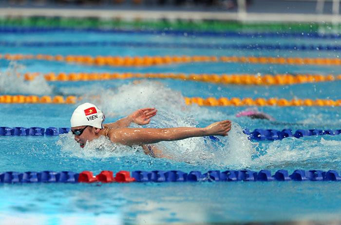 Bơi lội giúp chúng ta rèn luyện sức khỏe rất tốt