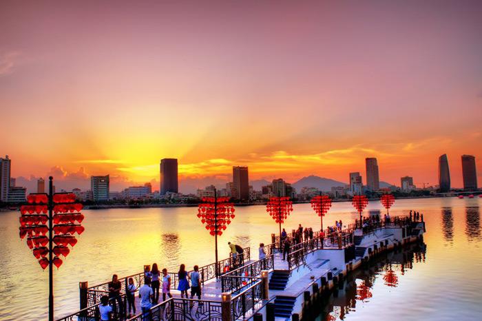 Đà Nẵng với nhiều địa điểm check in lãng mạn, thu hút