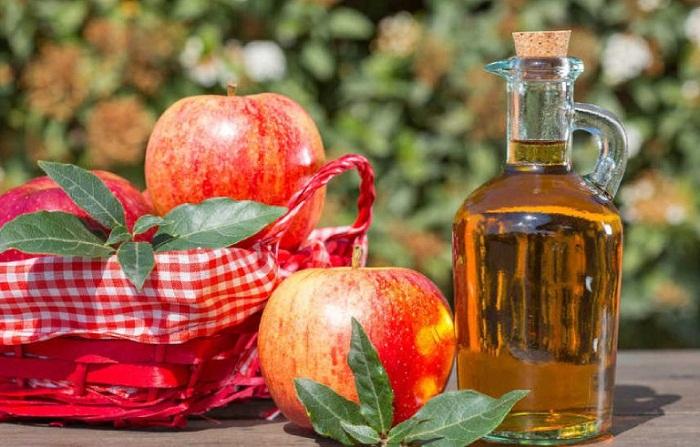 Dấm táo có tác dụng là trì hoãn kinh nguyệt rất tốt lại an toàn với cơ thể
