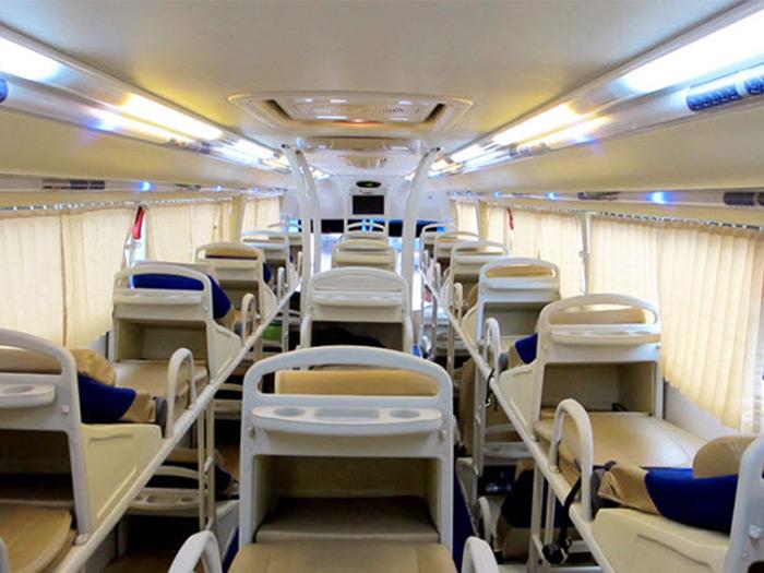 Nội thất trong xe được trang bị hiện đại, tiện nghi đáp ứng nhu cầu sử dụng của khách hàng