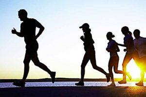 Tập thể dục thể thao là phương pháp rèn luyện sức khỏe rất được khuyến khích hiện nay